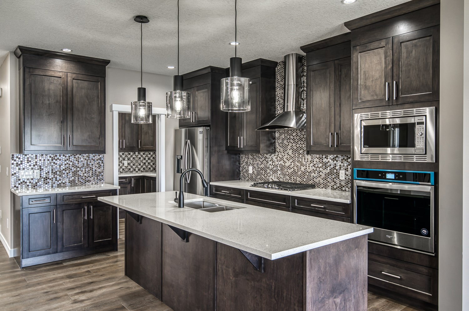 Luxe by Luxuria Luxury Homes Calgary-min