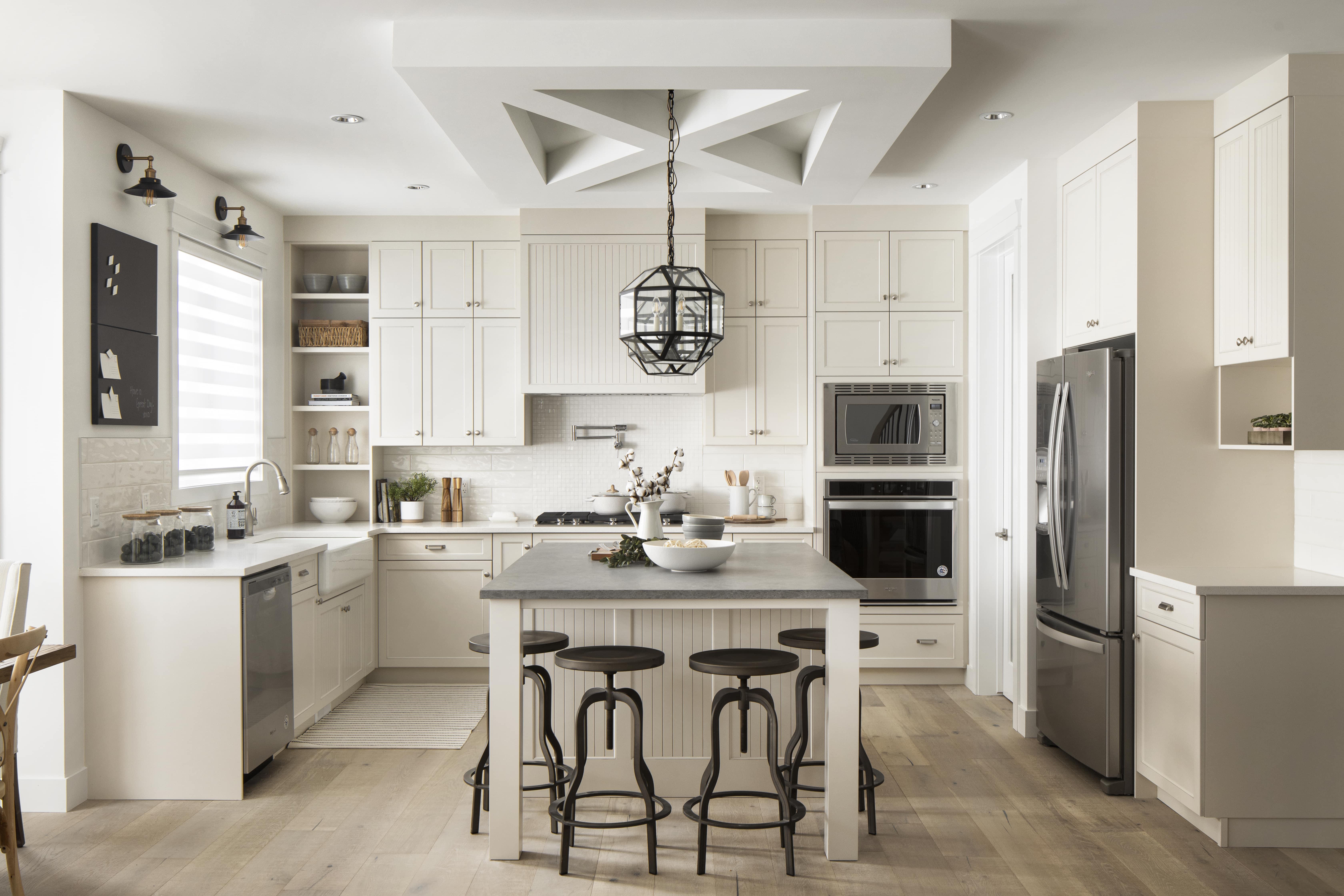 Luxuria_Homes_Builder_Calgary_Airdrie_Edmonton_Chestermere_Strathmore11-min